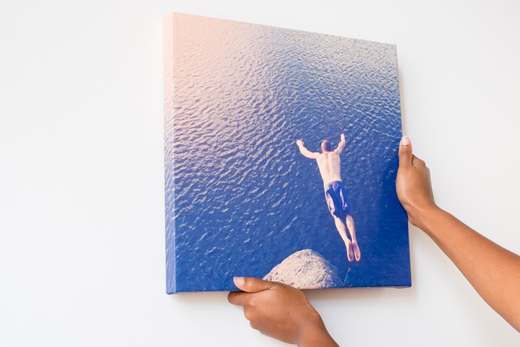 Hanging a canvas print