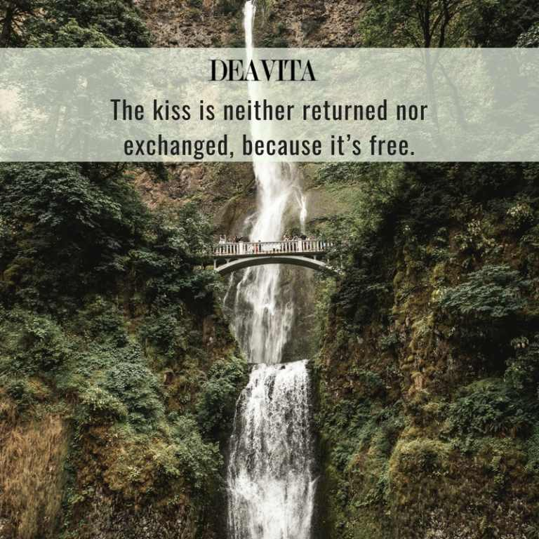 best short kiss sayings romantic love quotes